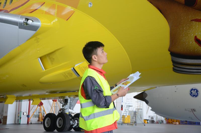HNA Technic APC Aviation Painting